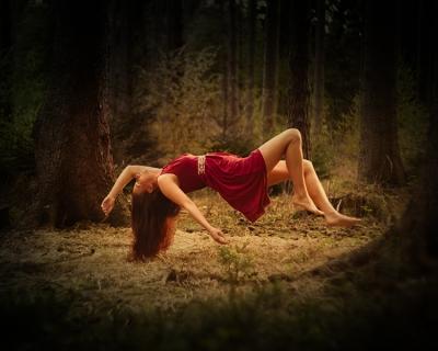 Levitation_Melanie_web_1