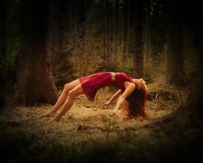 Levitation_Melanie_web__2